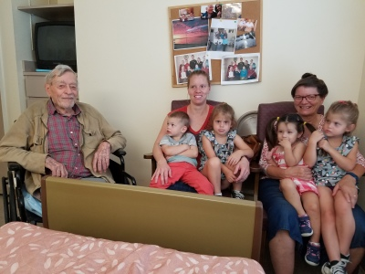 Roger with Karla, Kathy and 4 grandkids