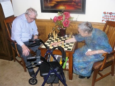 clinton-and-marybelle-playing-chess